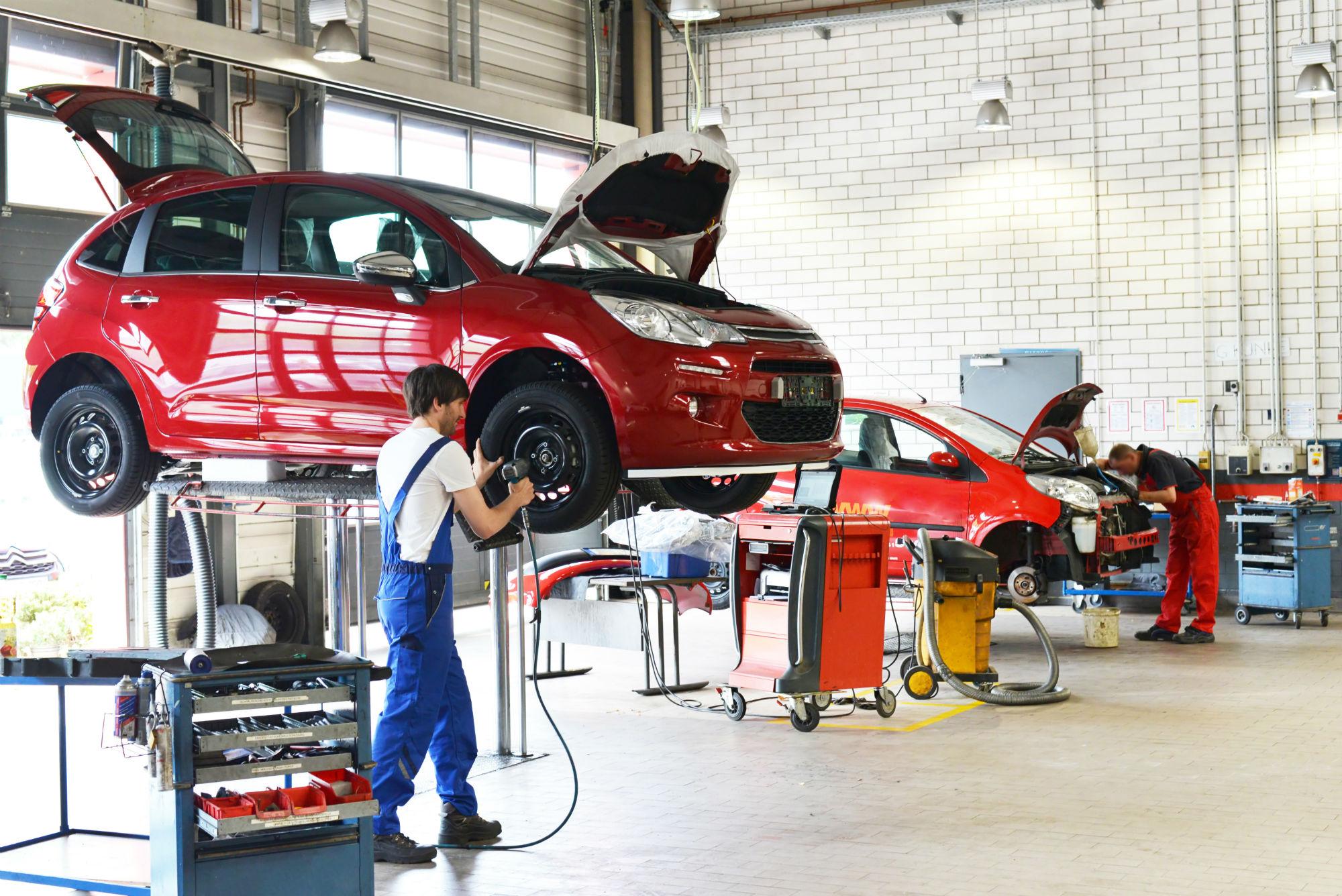 Hasil gambar untuk Professional Auto Repair Advice